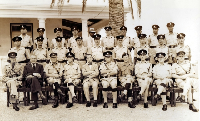 Interesting photo. The Major and Sgnt Carling being the only 2 1DCLI among what appears to be Bermuda Rifles or Bermuda Police. Ed's guess circa 1957